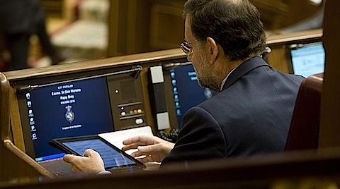 Photo of Rajoy también utiliza el iPad en el Congreso de los Diputados