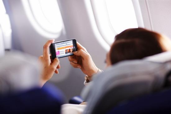 Photo of Ya puedes usar tu iPad y tu iPhone si vuelas con Lufthansa
